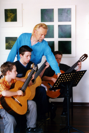 Lessons 2 Peter Altmeier Mort classical guitar lessons perth guitar teacher